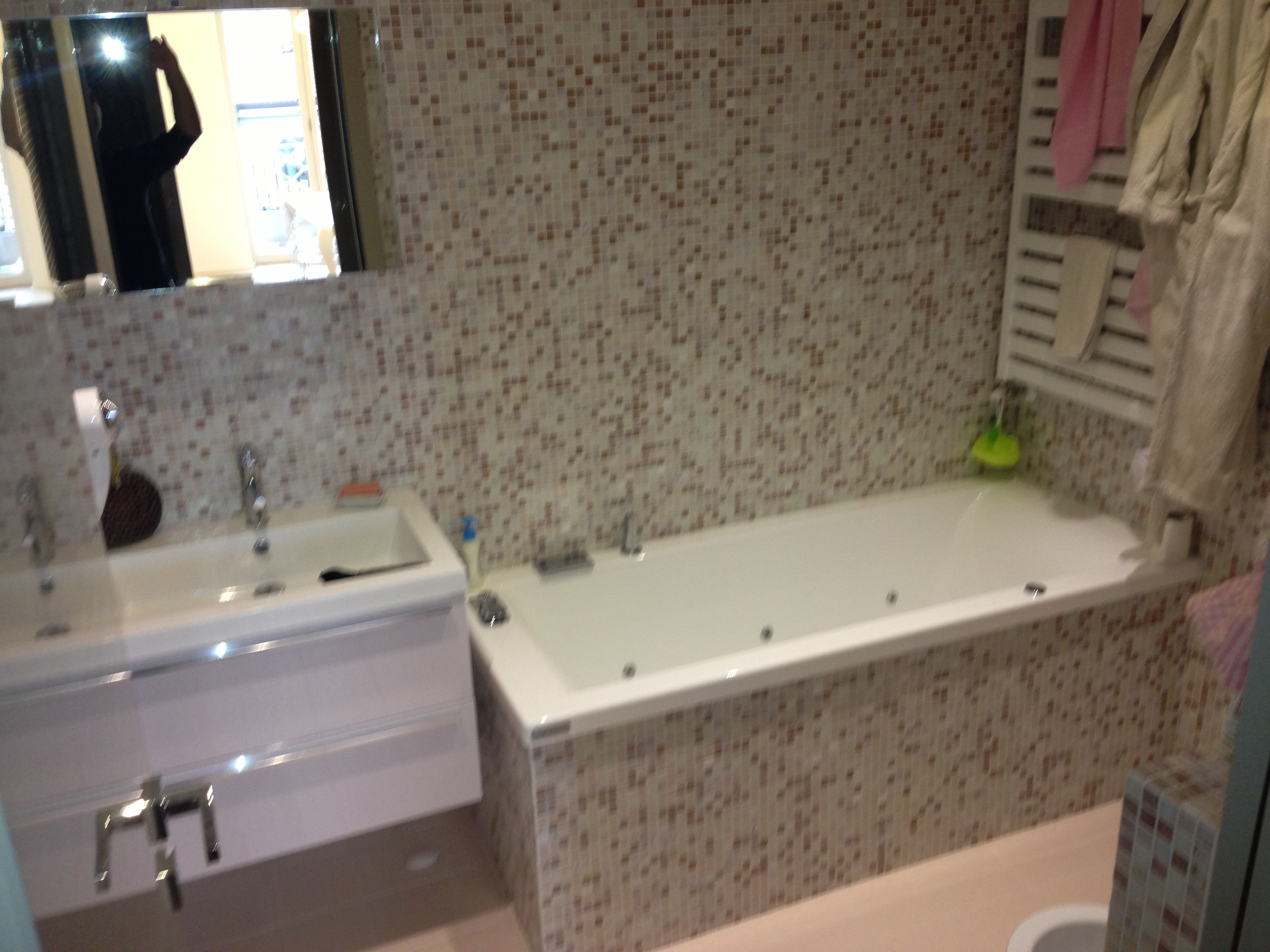 Idee per arredare un bagno piccolo quanto costa - Quanto costa un architetto per ristrutturare casa ...